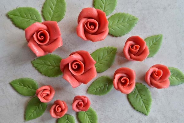 rosenset rot aus marzipan 9 rosen 14 bl tter. Black Bedroom Furniture Sets. Home Design Ideas