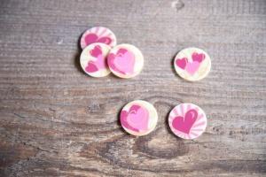 Herzen -Romantik- weiße Schokoladen-Aufleger, 24 St. Ø 3 cm