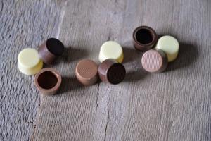 Pralinen-Schalen rund, -3 kaufen - 2 zahlen-  189 Stück