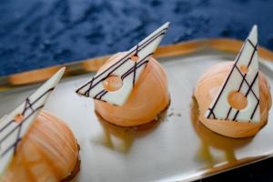 Ausgewählte Zutaten für Mini Törtchen Mango Aprikose