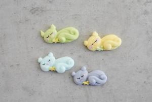 Zuckerdekor Kätzchen, liegend, farbig sortiert, 16 Stück
