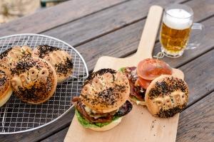 Ausgewählte Zutaten für Vatertags-Burger