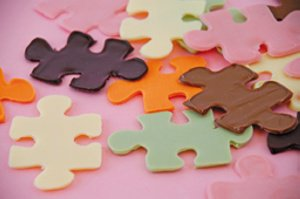 Schokoladengießschablone Puzzle aus Silikon 39 x 29 x 0,2 cm