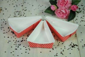 Papierbackformen Tortenstück Punkte rot/weiß, 9 Stück