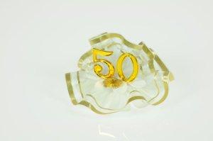 Goldhochzeit  -50- aus Kunststoff auf Tüll  7cm