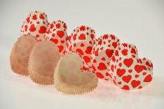 Papierbackform Herz, mit roten Herzen, beschichtet 8 Stck