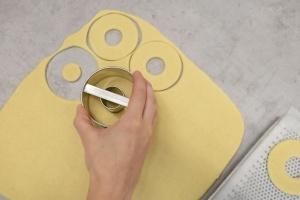Donuts- u. Bagels-Ausstechring groß, Ø 7,5 cm / Weißblech