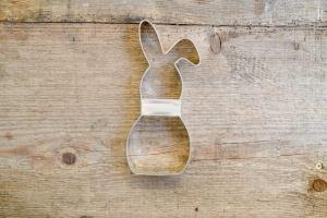 Hasen-Ausstecher -Schlappohr- aus Weißblech 18 x 7,5 cm