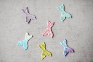 Meerjungfrau-Flossen aus Zucker farbig sortiert, 6 Stück