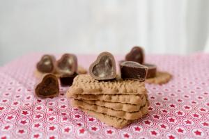 Herz-Schalen für Pralinen Vollmilch  54 Stück