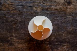 Salzbrötchendrücker aus Kunststoff ca. 6,5 cm
