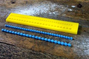 Modellierform Perlenkette, 2 Größen - 5 und 7 mm