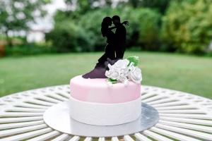 Cake Topper Brautpaar in Love, 15 x 10 cm hoch, schwarz