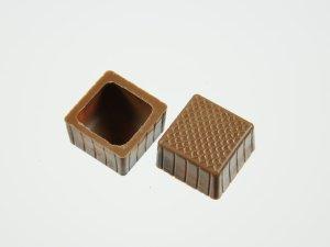 Viereck-Schalen für Pralinen Vollmilch  63 Stück