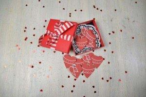 Herzen aus Zucker, 12 Stück, rot, Ø ca. 3,5 cm