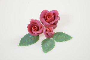 Glanzrosen Set rot-silber aus Marzipan 12 Rosen + 18 Blätter