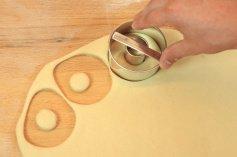 Donuts- u. Bagels -Ausstechring groß, Ø 7,5 cm / Weißblech