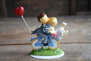 Brautpaar auf Fahrrad mit Herz, 12 x 12 cm, aus Polyresin