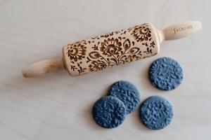 Teigroller mit Muster, Blumen, 23x4,5 cm