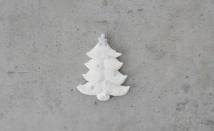 Zuckerdekor Weihnachtsbäume klein, weiß, 5cm, 16 Stück