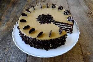 Ausgewählte Zutaten für Maroni-Buttercreme Torte