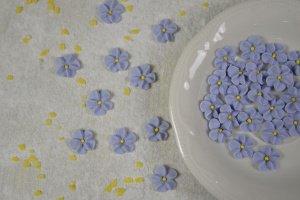 Vergissmeinnicht aus Zucker, 32 Stück, 1,8 cm