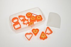 Keksausstecher mit Auswerfer, aus Kunststoff, 12-teilig