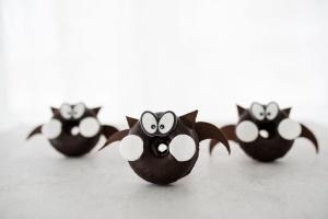 Ausgewählte Zutaten für Fledermaus Donuts