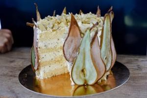 1 kg Tortenboden + 150 g Birnen-Sahnestand / Angebot