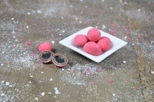 Zucker-Kugeln mit Schokolade und Erdbeere in Sirup, 200 g