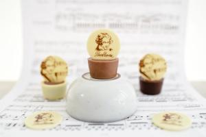 Beethoven Schoko-Aufleger, weiße Schokolade Ø3cm, 16 Stück