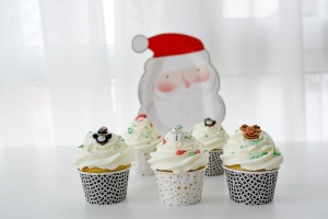 Zuckerdekor Weihnachtsfreunde, 12 Stück, 25-30mm