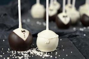 Backset: Festliche Cake Pops