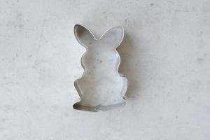 Ausstecher Hase sitzend 6 cm aus Edelstahl