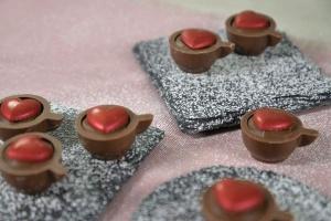 Schokolade-Herzen rot,  21x20x5mm, 33 Stück