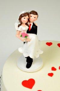 Brautpaar   - Auf Händen getragen -  17 cm