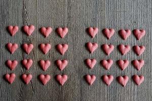 Herzen rot aus Zucker, 32 Stck.