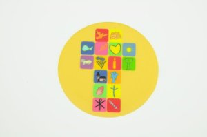 Kommunion-Aufleger -Kreuz- Ø 10 cm, gelb, aus Zucker