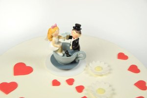 Brautpaar in Kaffeetasse
