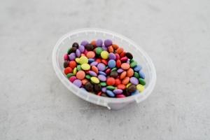 Schokolinsen, Ø 1 cm, farbig sortiert, 100-g-Dose