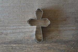 Kreuz Ausstecher, abgerundete Balkenenden, 9 cm,