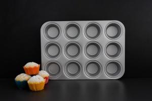 Muffinform für 12 Muffins, Aluminium, Ø 5-8 cm, Höhe 3,5 cm