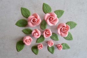 Rosenset rosa aus Marzipan  9 Rosen + 14 Blätter