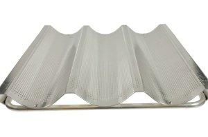 Stangenbrot-Backblech mit 3 Längsmulden 34 x 38 cm