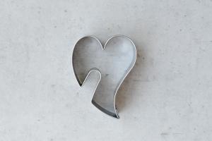 Tassenkeks geschwungenes Herz, 5,5 x 4 cm Edelstahl