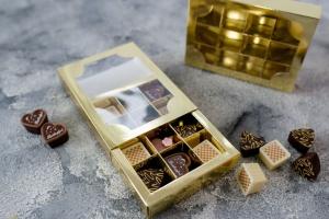 Pralinen-Schachtel 12er / goldfarben (hochglänzend)