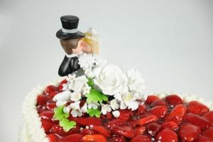 Brautpaar küssend / 12,5 cm aus Porzellan