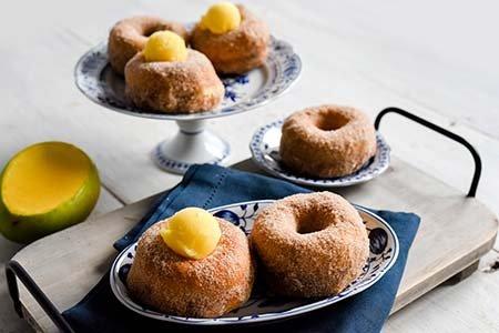 Donuts mit Zimt-Zucker