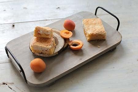 Aprikosen-Kokos-Schnitte