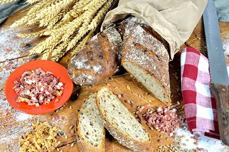 Speck-Zwiebel-Brot